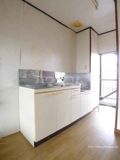 コーポ中村Ⅰ 303号室のキッチン