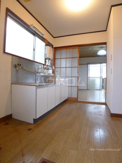 コーポ中村Ⅱ 210号室のキッチン