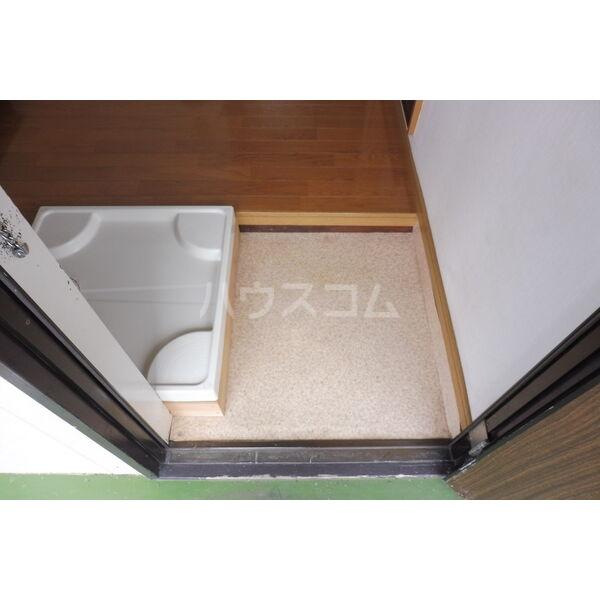 石井ハイツB 201号室の玄関