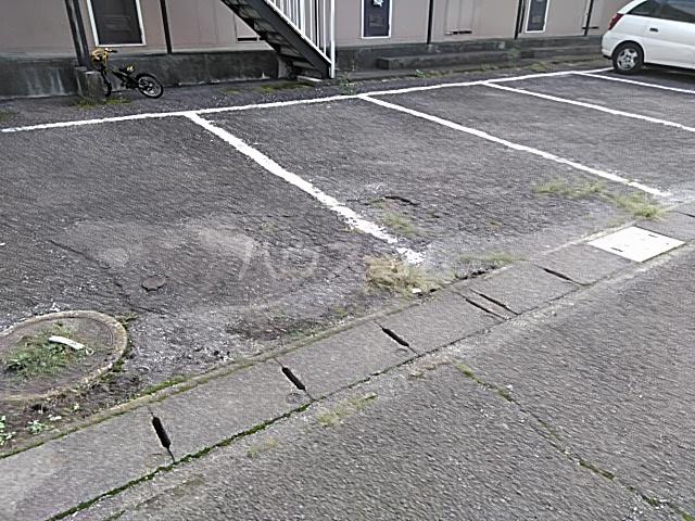 ハイグレード白馬 201号室の駐車場