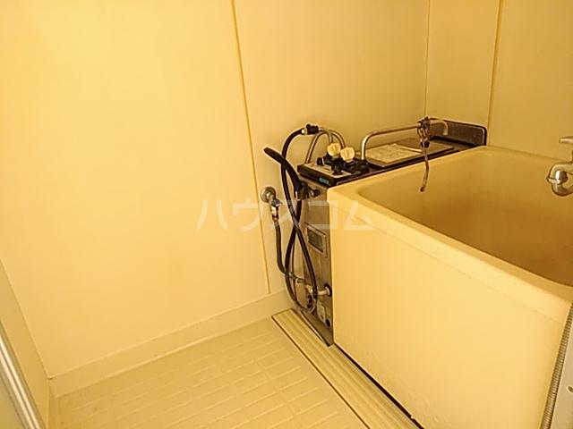ハイグレード白馬 201号室の風呂