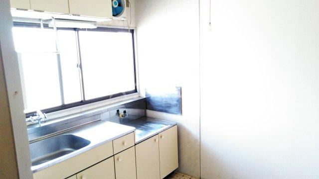 アイリス(神鳥谷4) 201号室のキッチン