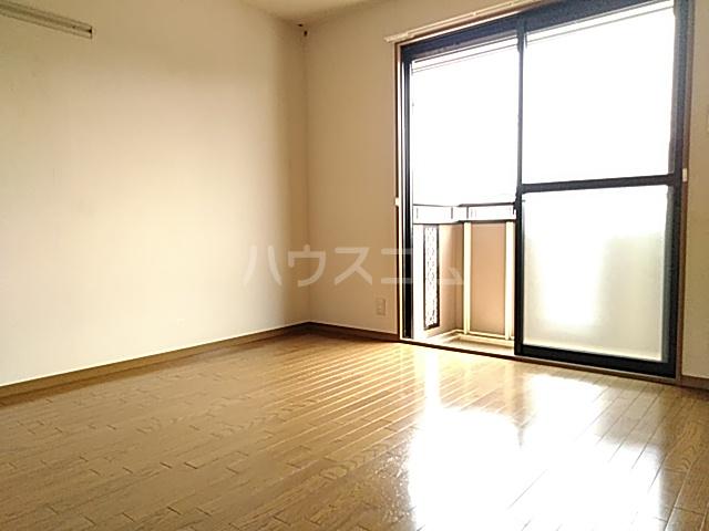 メゾンエトワール(神鳥谷5) 102号室のベッドルーム