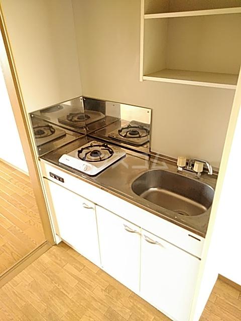 メゾンエトワール(神鳥谷5) 102号室のキッチン