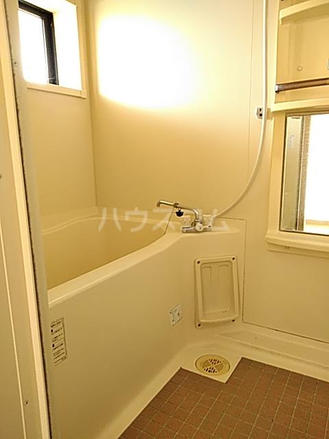 メゾンエトワール(神鳥谷5) 102号室の風呂