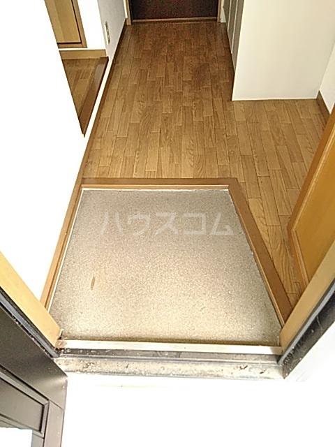 メゾンエトワール(神鳥谷5) 102号室の玄関