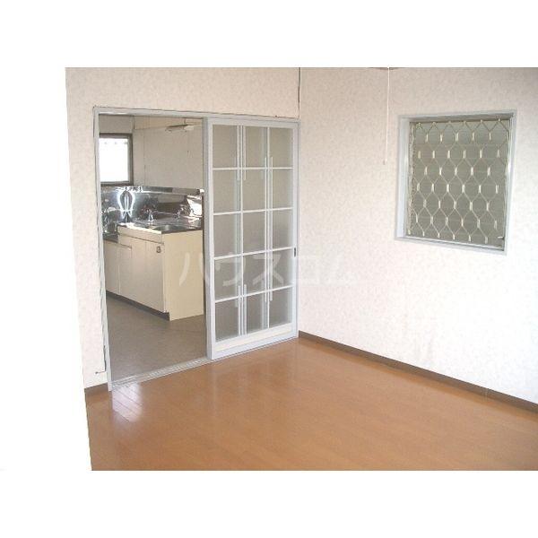 清明ハイツ 101号室のリビング