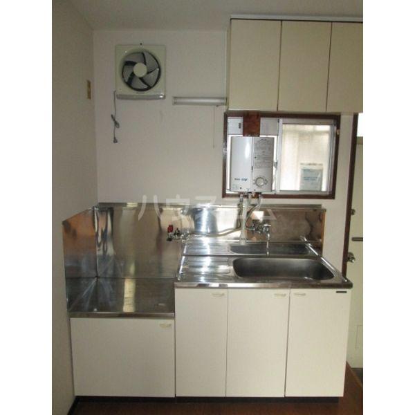 清明ハイツ 105号室のキッチン
