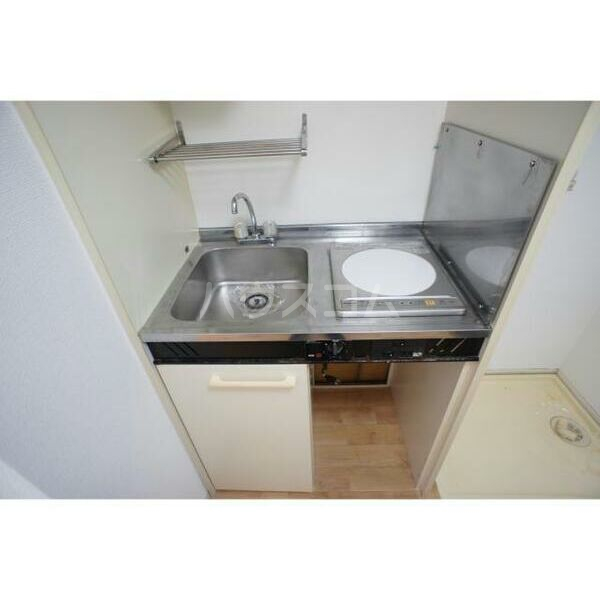 メゾン・フローラ 202号室のキッチン