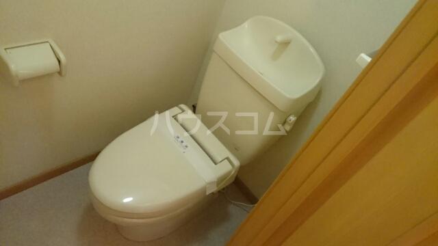 エレガンシアⅡ 01010号室のトイレ