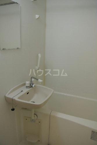 レオパレス上戸祭 202号室の洗面所