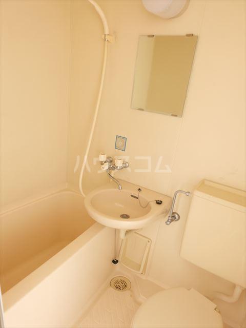 メゾン・ド・タミア 202号室の風呂