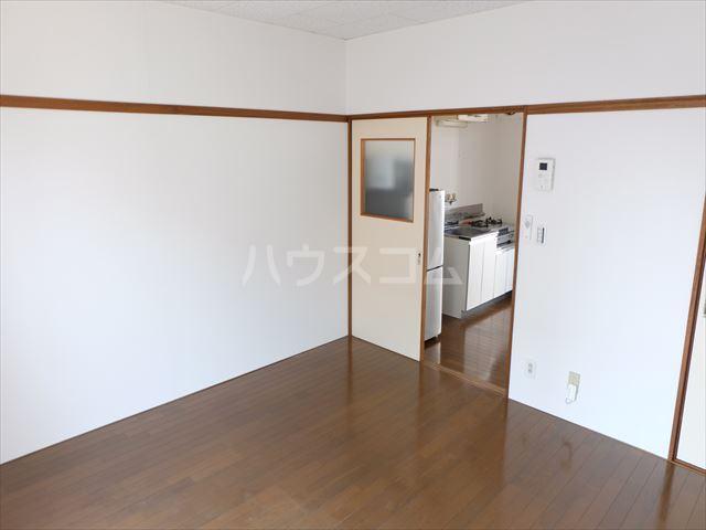 メゾン・ド・タミア 202号室の居室