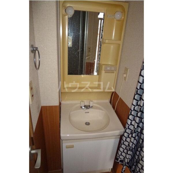 プラド光城B 102号室の洗面所