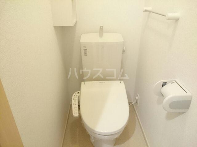 プリムローズ 02030号室のトイレ