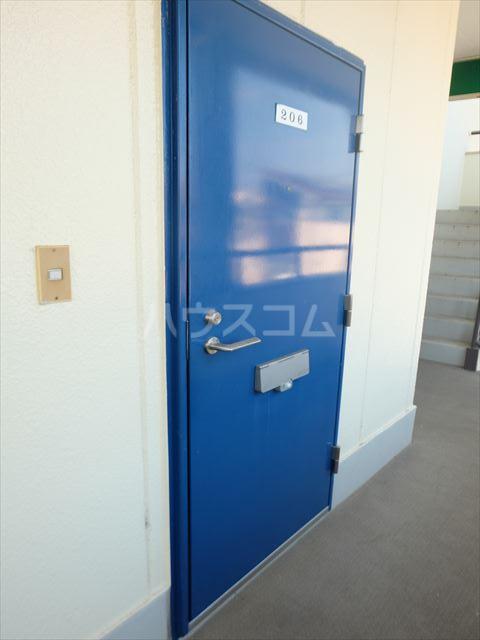 メゾン石原 201号室の玄関