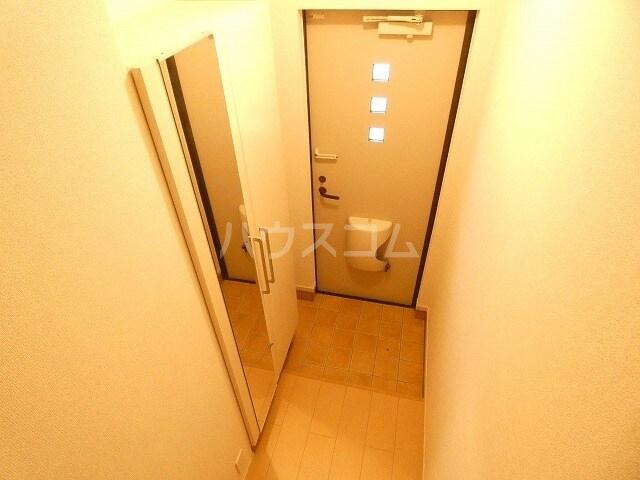 アルファードC 02030号室の玄関