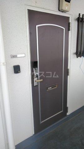 クレストタウン 202号室の