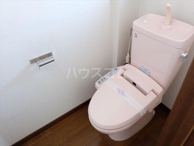 M-6 205号室のトイレ