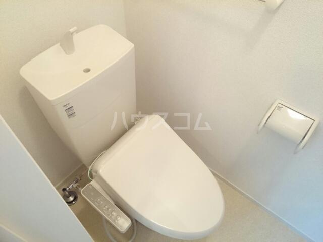 フルールメゾンB 01010号室のトイレ