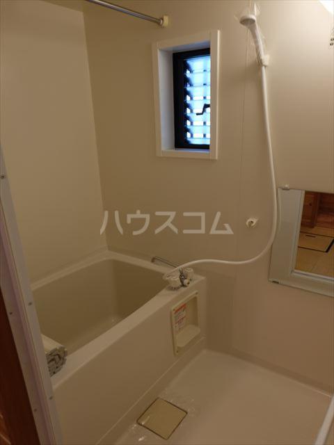 ピュアコートアイ 102号室の風呂