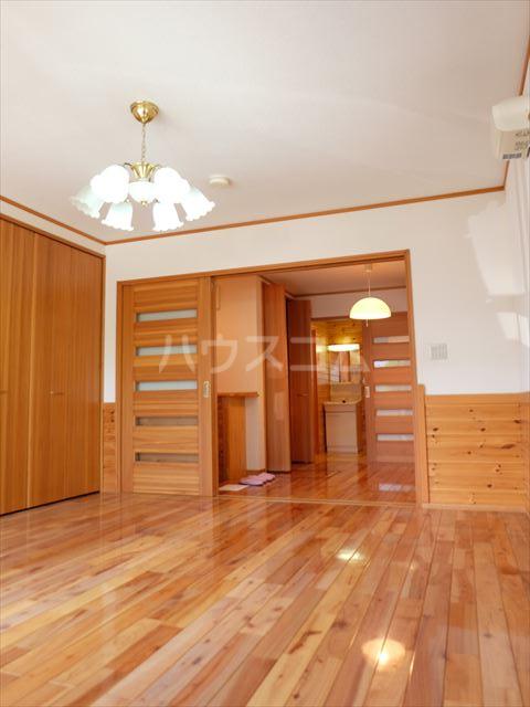 ピュアコートアイ 102号室のベッドルーム