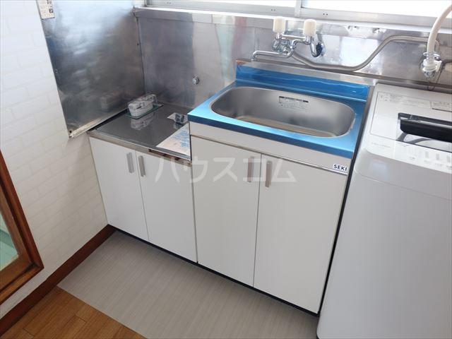 富士ハイツ 102号室のキッチン