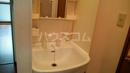 コモンズヴィラ 101号室の洗面所