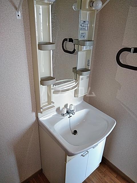 ウッディベル 102号室の洗面所