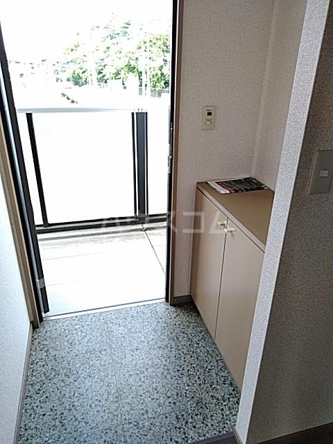 ウッディベル 102号室の玄関