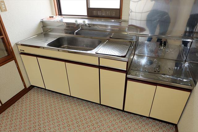 レジデンス暁 101号室のキッチン