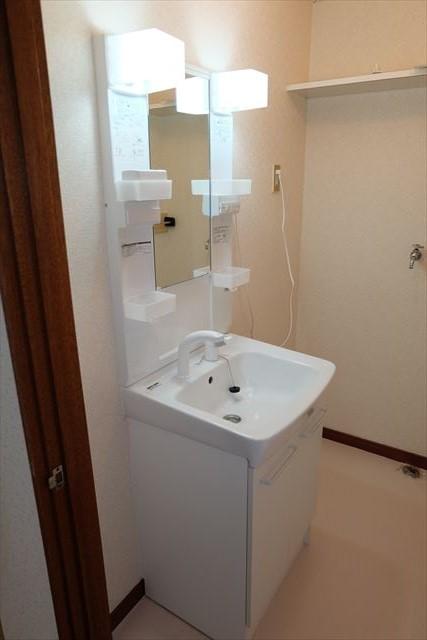 レジデンス暁 101号室の洗面所