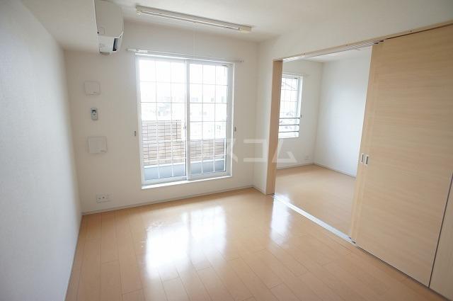 マーベラス 02030号室のリビング