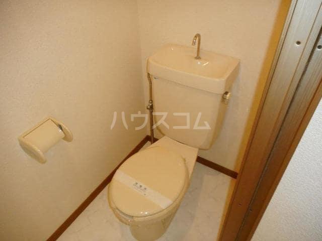 カーサ・ハル美 01010号室のトイレ