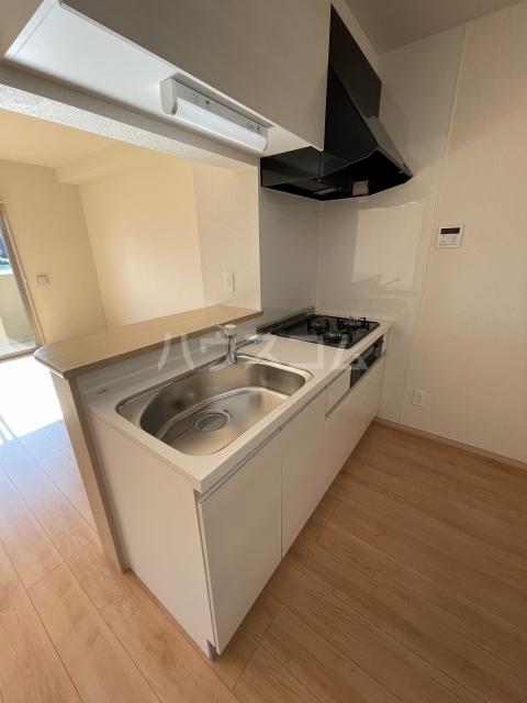 アーバンレジデンス 407号室のキッチン