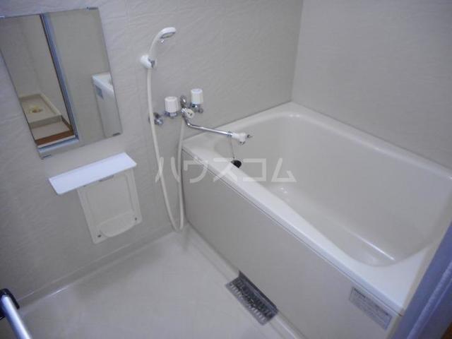 フォンテーヌ・Ⅱ 01010号室の風呂