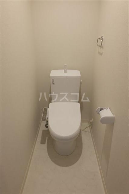 ラヴィーヌ芝の内A 102号室のトイレ