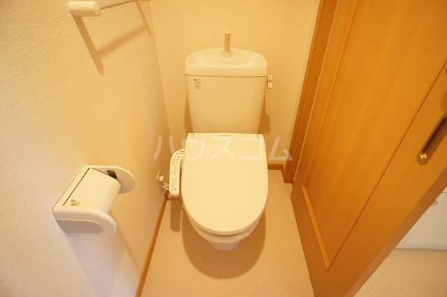 コンフォートB 01010号室のトイレ
