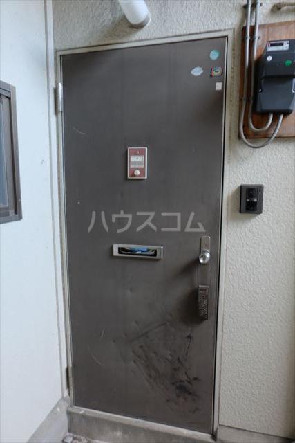 ハピネス・ラフィーネ A 102号室の玄関