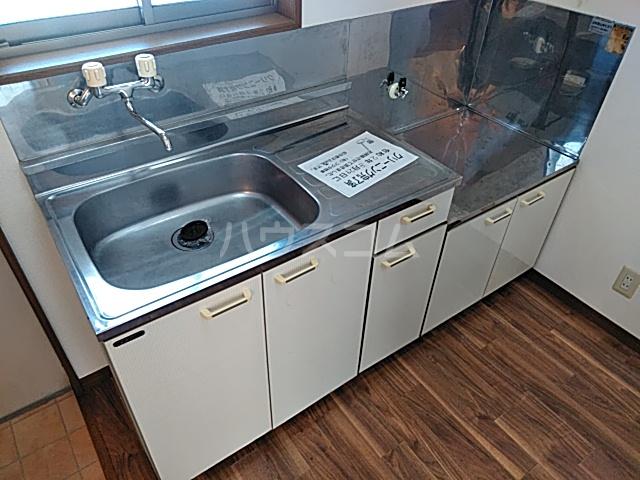 グランドールA 201号室のキッチン