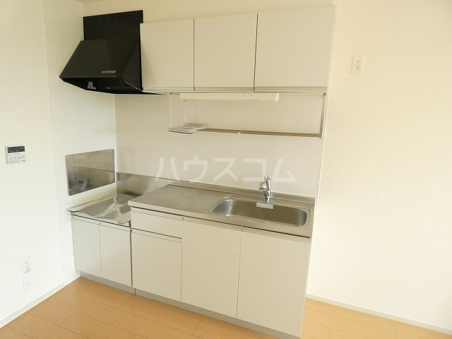 シャルロットⅢ 02030号室のキッチン