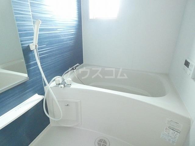 シャルロットⅢ 02030号室の風呂