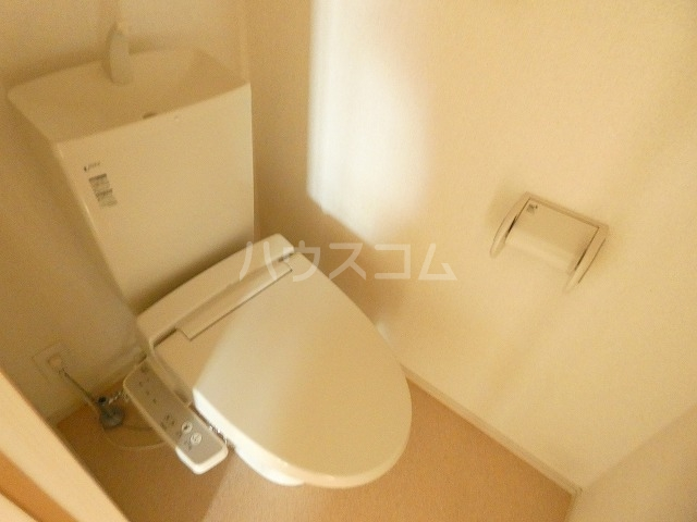 シャルロットⅢ 02030号室のトイレ
