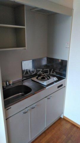コーポシャルルA 102号室のキッチン