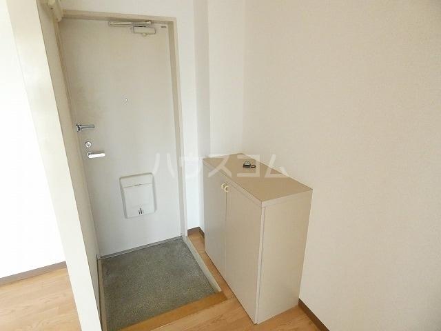 メモリーヒルズ 02010号室の玄関