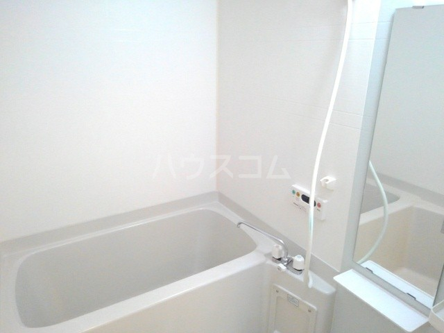 アニメート・ヴィラD 02010号室の風呂