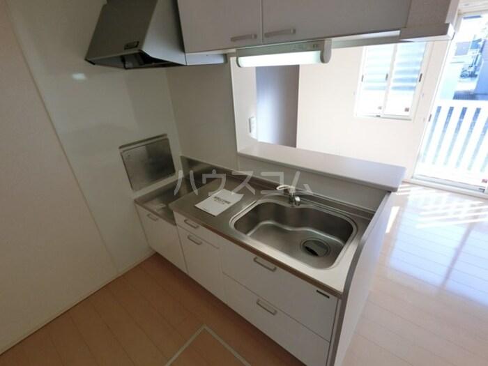 ライネスハイムC 102号室のキッチン