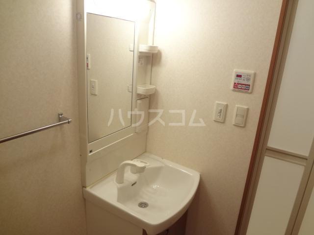 フェアリー 103号室の洗面所