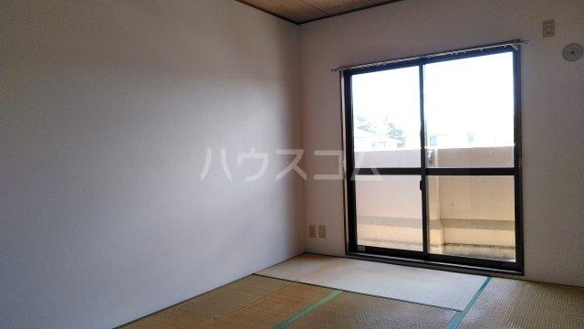 ラ・セゾン富士 201号室の居室