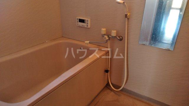 ラ・セゾン富士 201号室の風呂